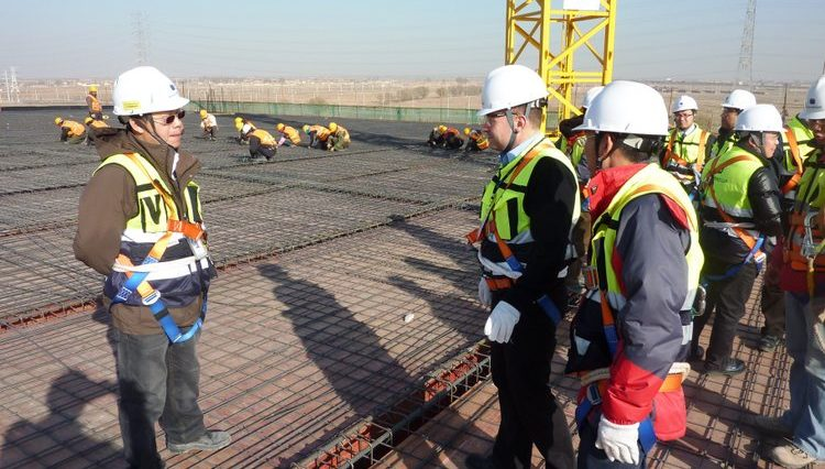 construction safety officer Safety instructions at construction site in China