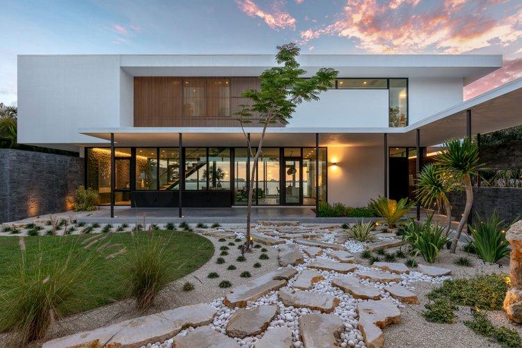 Dream Home Overlooks Sarasota Bay Seathru House